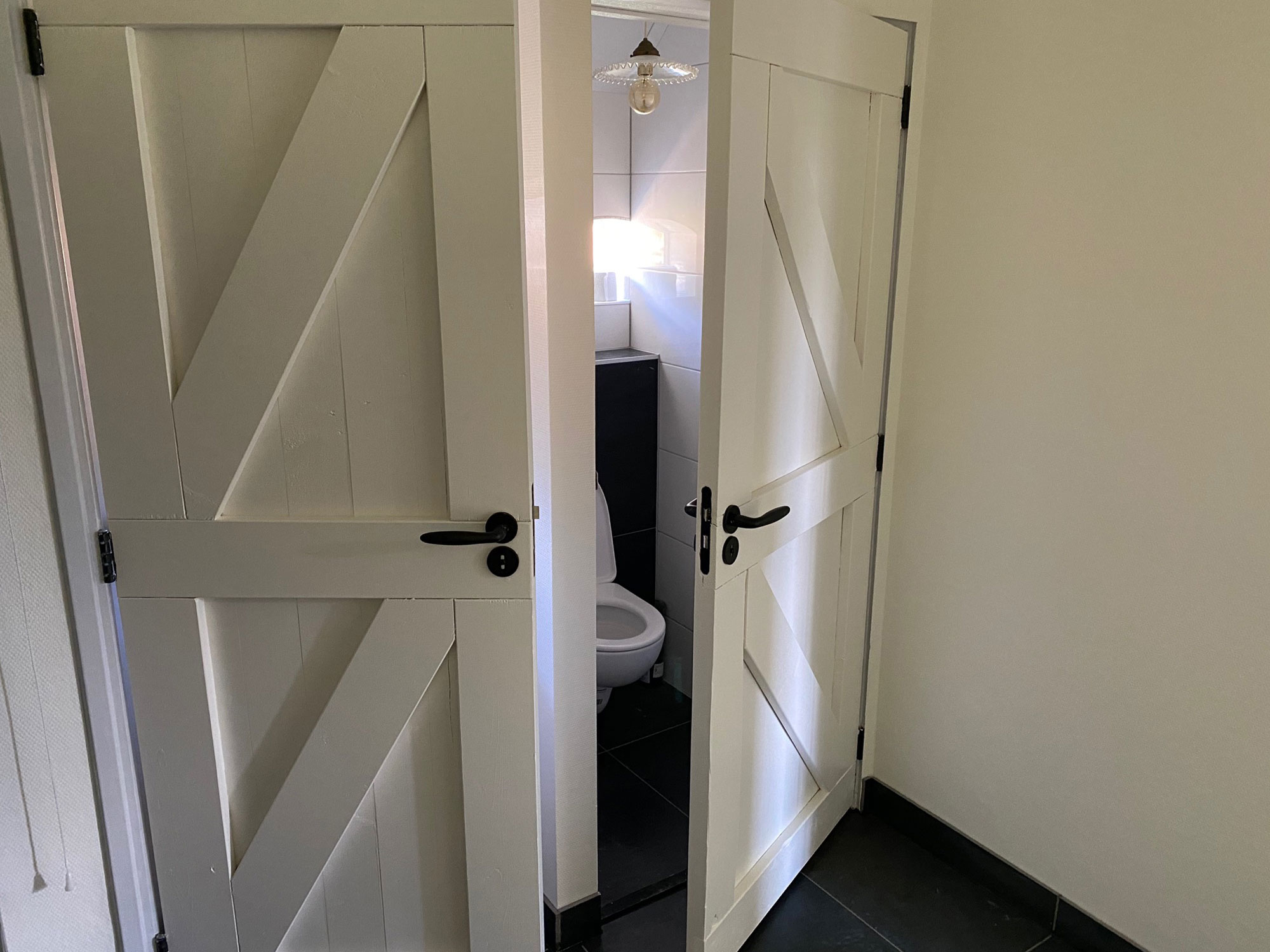 Appartement Hoorn toilet